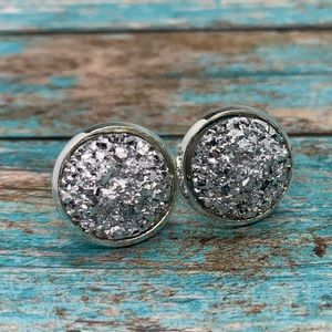 Sparkly silver stud earrings 12mm